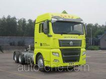 Седельный тягач для перевозки опасных грузов Sinotruk Sitrak ZZ4256V383HE1LW